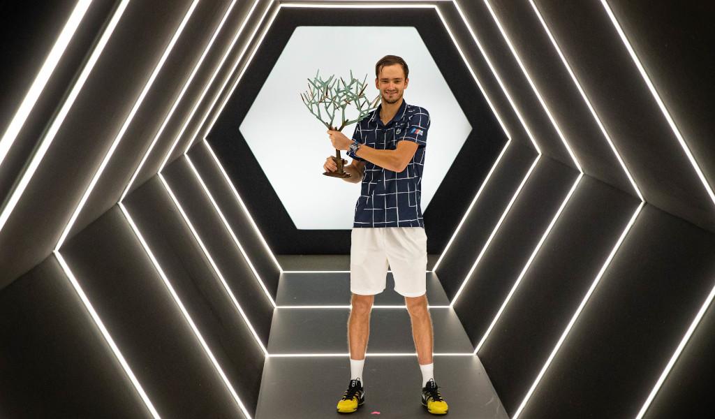 Daniil Medvedev with the Paris Masters trophy