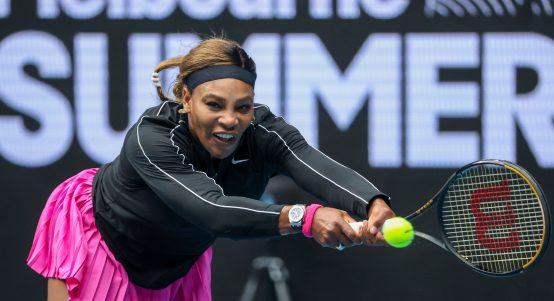 Serena Williams stretching