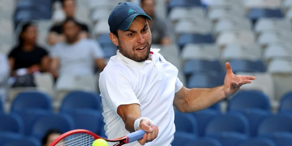 Aslan Karatsev in action