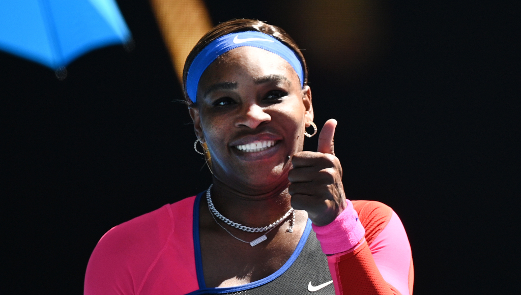 Serena Williams thumbs up