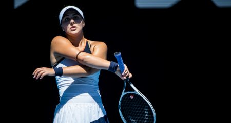 Bianca Andreescu on court