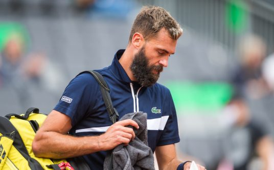 Benoit Paire leaves the court