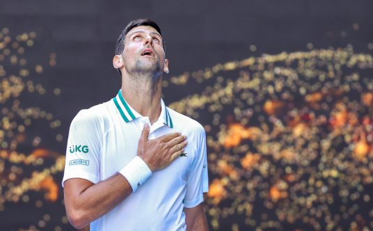 Novak Djokovic looking to the sky