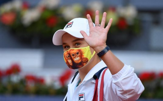 Ashleigh Barty waving