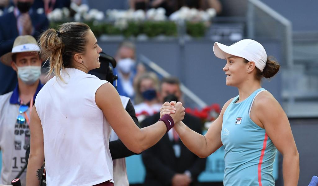 Aryna Sabalenka and Ashleigh Barty shaking hands