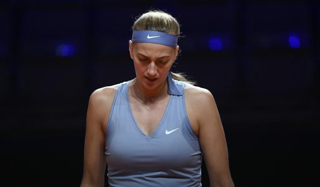 Petra Kvitova looking down