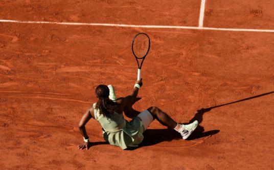 Serena Williams slips