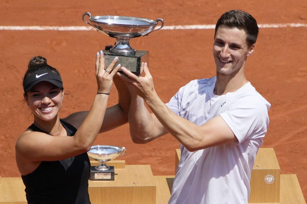 Desirae Krawczyk and Joe Salisbury win French Open mixed doubles