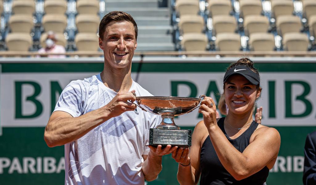 Joe Salisbury and Desirae Krawczyk win French Open mixed doubles