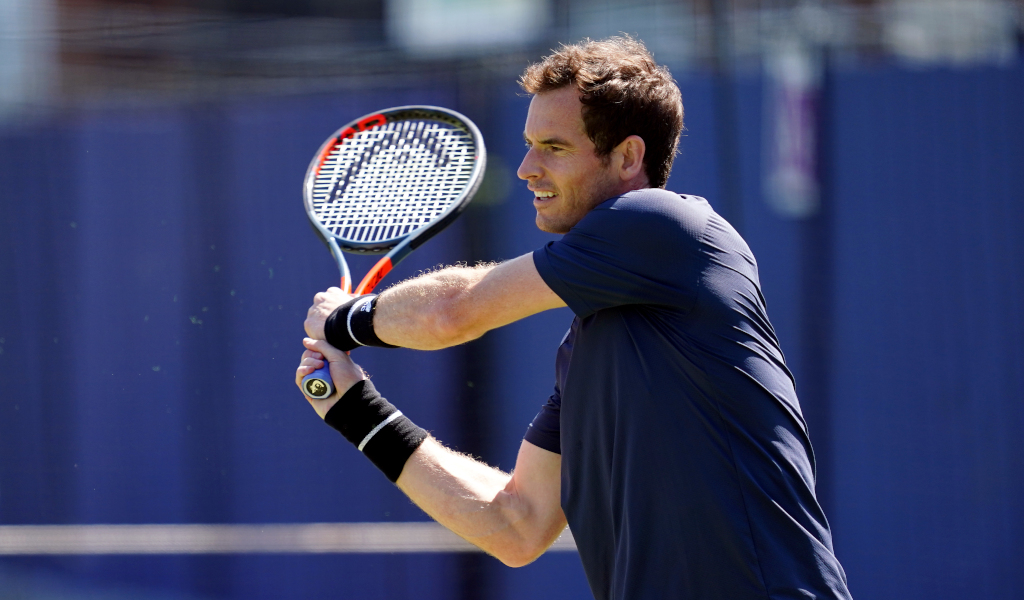 Andy Murray practices during a preview day