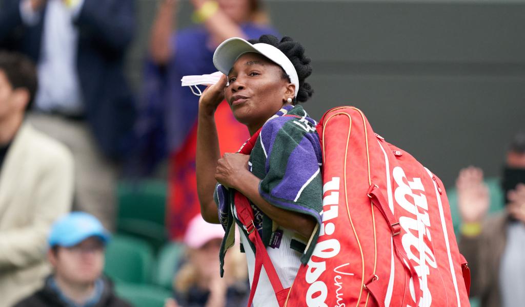 Venus Williams waves goodbye to Wimbledon
