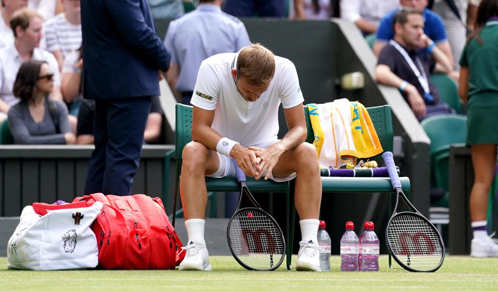 Dan Evans defeated at Wimbledon