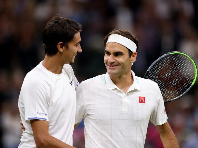 Federer eased past Sonego