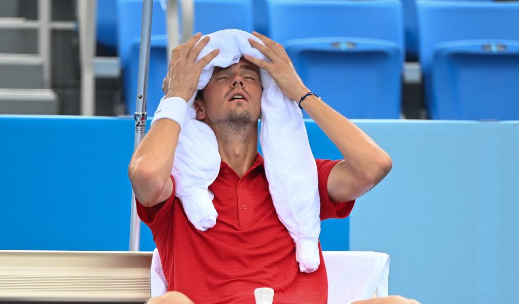 Daniil Medvedev cools down