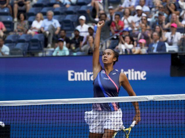 Leylah Fernandez celebrates winning a point against Elina Svitolina