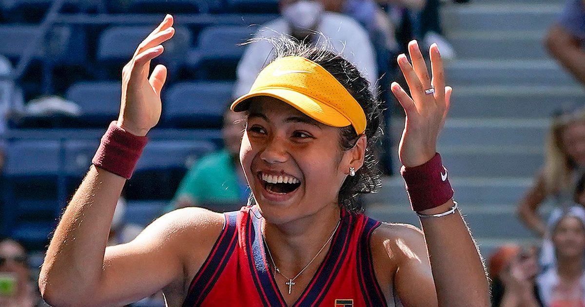 Emma Raducanu celebrates US Open