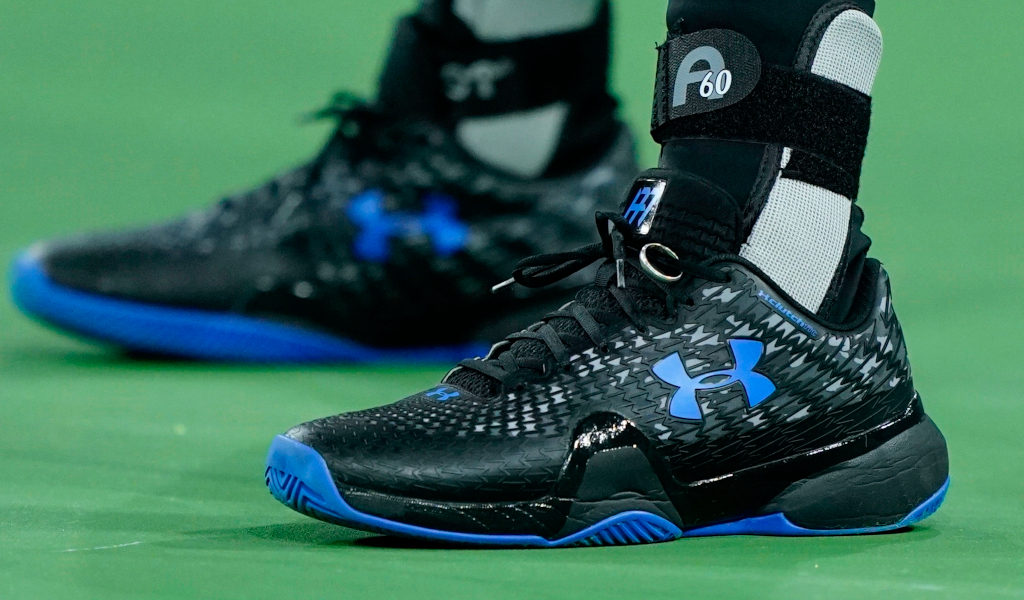 Andy Murray Under Armour tennis shoes with wedding ring