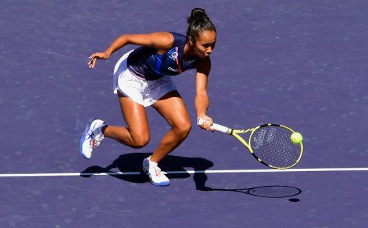 Leylah Fernandez on the run