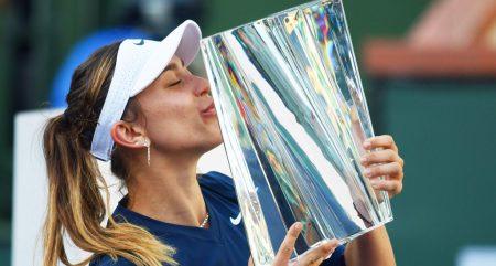 Paula Badosa lifts the BNP Paribas Open trophy