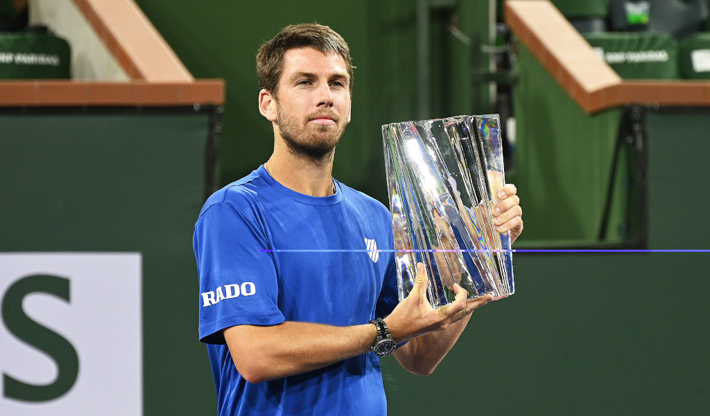 Cameron Norrie with the BNP Paribas Open trophy